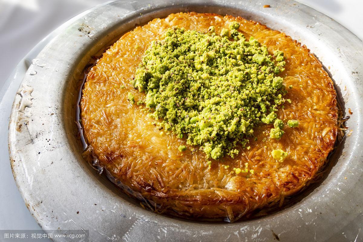 Turkish Künefe, Hot and Cheesy Southeastern Dessert